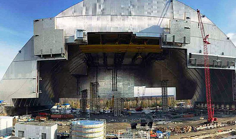 arch shielding Radioactive waste caused by the 1986 Chernobyl nuclear power station accident. (Vinci)