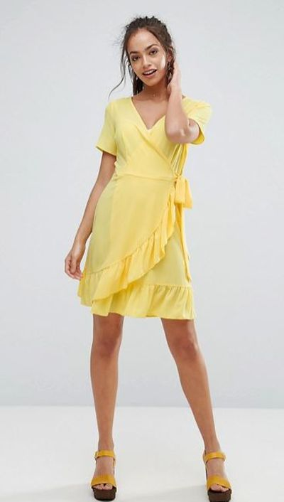 "<a href=""http://www.asos.com/au/new-look/new-look-ruffle-wrap-dress/prd/8246529?clr=brightyellow&SearchQuery=yellow&pgesize=36&pge=3&totalstyles=1080&gridsize=3&gridrow=10&gridcolumn=2"" target=""_blank"">New Look Ruffle Wrap Dress in Bright Yellow, $20</a><br> <br> <br>"