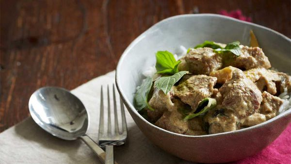 Green Curry with beef, eggplant and Thai basil