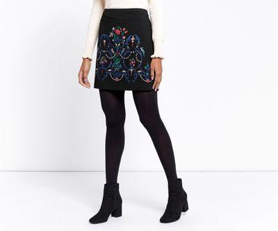 "<a href=""http://www.oasis-stores.com/au/clothing/skirts/warner-embroidered-skirt/060592.html?dwvar_060592_color=58&amp;position=3&amp;cgid=skirts#&amp;start=3&amp;categoryID=skirts"" target=""_blank"">Oasis</a> embroidered skirt, $82<br>"