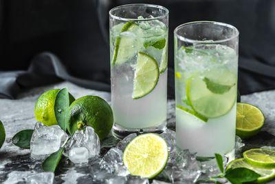 Stir cocktails