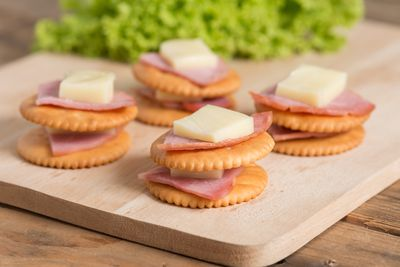 <strong>Swap cheese and crackers (145 calories)...</strong>