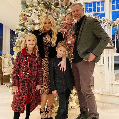 Jessica Simpson, Erich Johnson and three children: Birdie Mae Johnson, Ace Knute Johnson, Maxwell Drew Johnson.