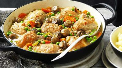 "21.)&nbsp;<a href=""https://kitchen.nine.com.au/2017/03/29/11/26/one-pot-chicken-and-mushroom-casserole"" target=""_top"" draggable=""false"">One-pot chicken and mushroom casserole</a>"