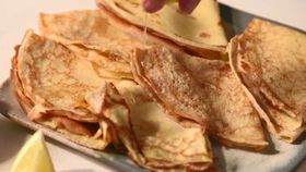 This is the technique you need for perfect crepes