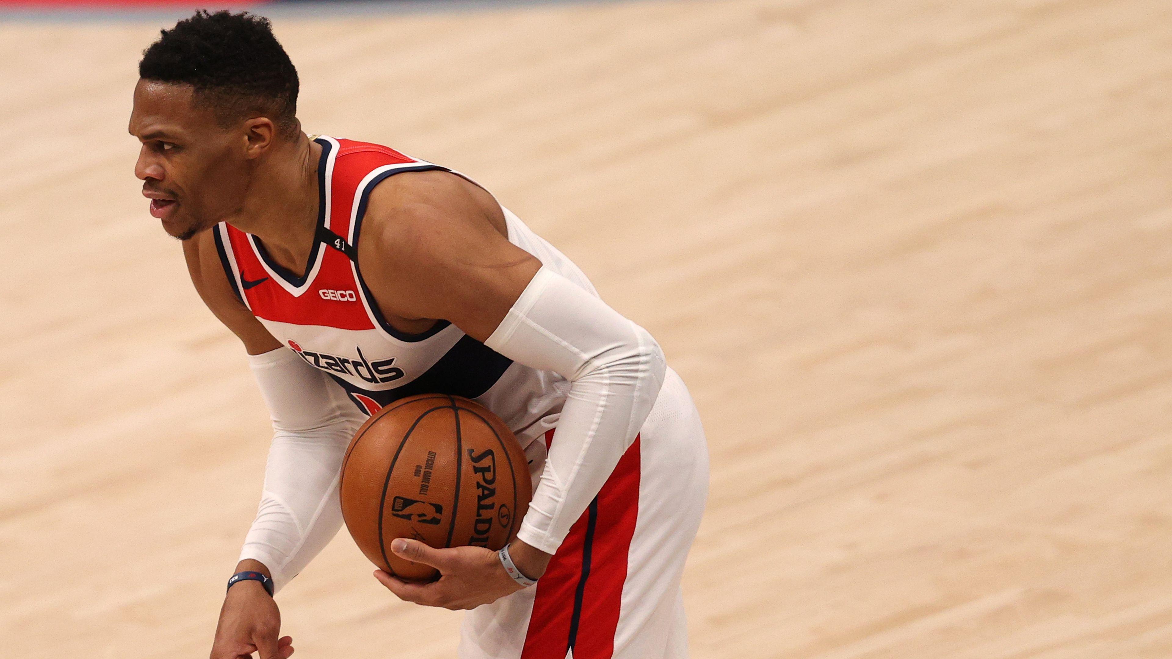 Smoking monitor causes bizarre delay in Washington Wizards v New York Knicks NBA game