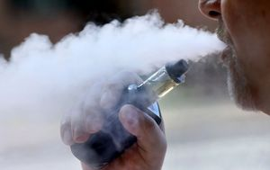 TGA gives go-ahead for prescription e-cigarettes to be sold at chemists