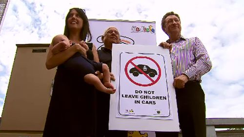 Moonee Valley Council plans to install warning signs reminding parents of the danger of leaving children locked in hot cars. (9NEWS)