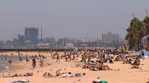 Easter 2019 weather forecast Australia heat sun rain storms BoM news