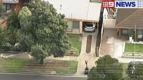 Melbourne street in lockdown as bomb squad called in to examine car
