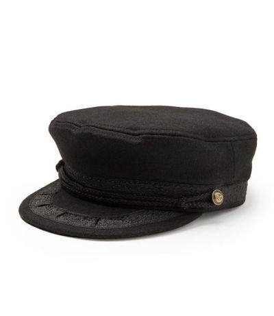 "Sportsgirl <a href=""https://www.sportsgirl.com.au/accessories/hats/bella-baker-boy-hat-black-all"" target=""_blank"">Bella Baker Boy Hat</a>, $29.95"