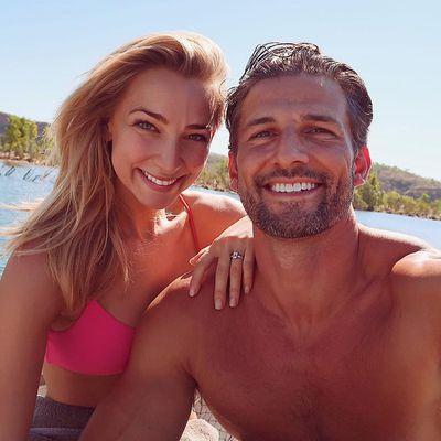 Bachelor Australia dating Louise Radio karbon dating ungdomsskole