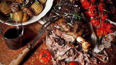 "<a href=""http://kitchen.nine.com.au/2016/05/16/10/53/slowroasted-greek-lamb-with-tomatoes-onions-and-hasselback-potatoes"" target=""_top"">Slow-roasted greek lamb with tomatoes, onions and hasselback potatoes<br /> </a>"