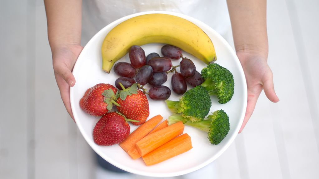 Rainbow warriors: kids need to eat about three cups of vegetables each day. Image: Getty
