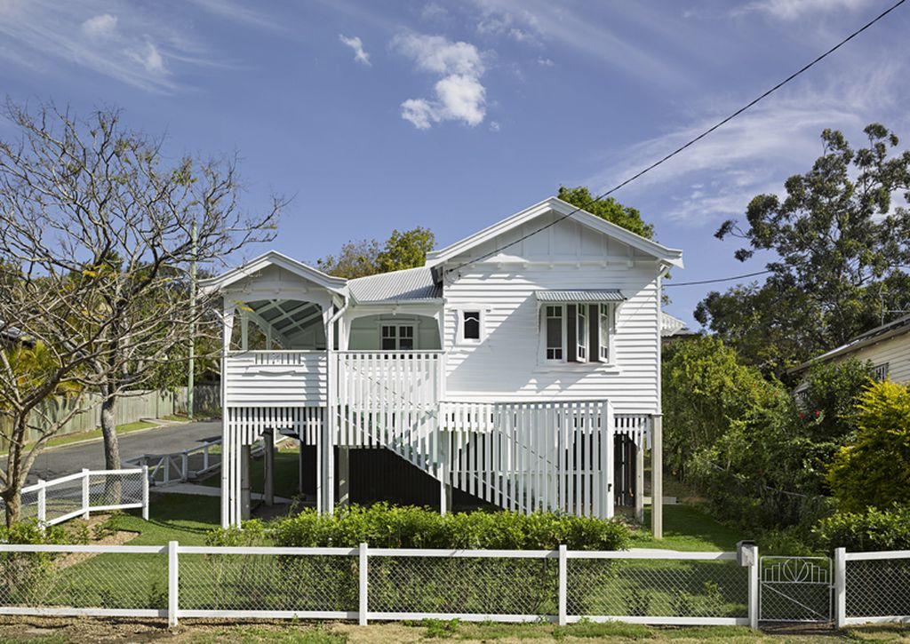 Modern take on humble Queenslander wins top award - 9homes