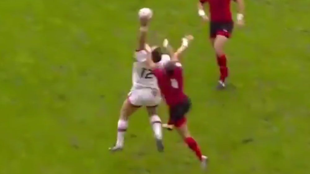 Rugby player pulls off miraculous one-handed catch