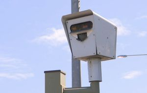 SA drivers told 'don't pay your fines' after red light camera ruling