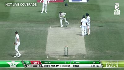 Pakistan batsman Azhar Ali slammed after horror brain fade leads to comical run out on Day 3