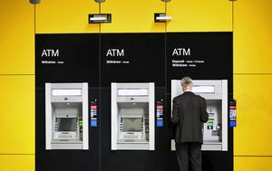 Commonwealth Bank technical difficulties leaves customers unable to use cards or view online accounts