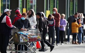 Panic buying hits New Zealand ahead of new lockdown