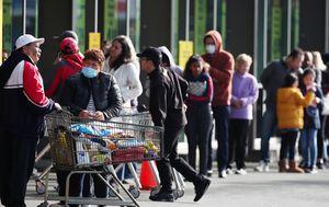 Panic buying hits New Zealand ahead of new lockdown