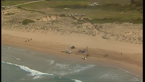 A man has died at Wanda Beach, in Sydney's south, after being pulled from the water.