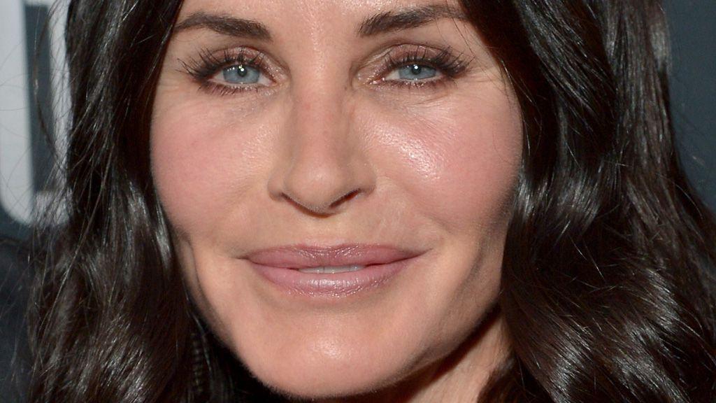 Courteney Cox ditches plastic surgery