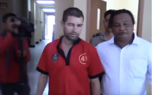 French drugs suspect escapes Indonesian jail using sarong