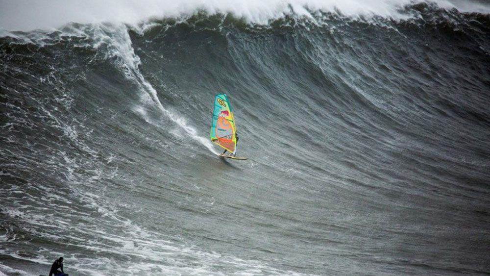 Aussie windsurfer conquers monster waves