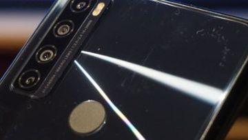 TCL 20 SE smartphone