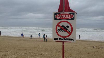 Gold Coast beaches are all closed today as locals await the arrival of the remnants of Cyclone Marcia. (9NEWS)