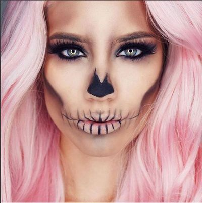 Makeup vlogger Linda Stephanie created this pretty pink sugar skull