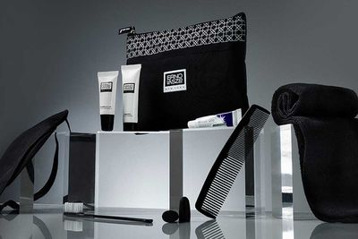 Economy Class Amenity Kit, Asia - Galileo Watermark for EVA Air