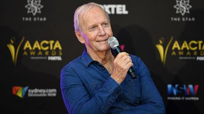 Paul Hogan says women 'shouldn't have to put up with' harassment