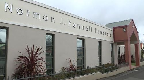 The funeral parlour in Orange, NSW is seeking the families of hundreds of unclaimed ashes.