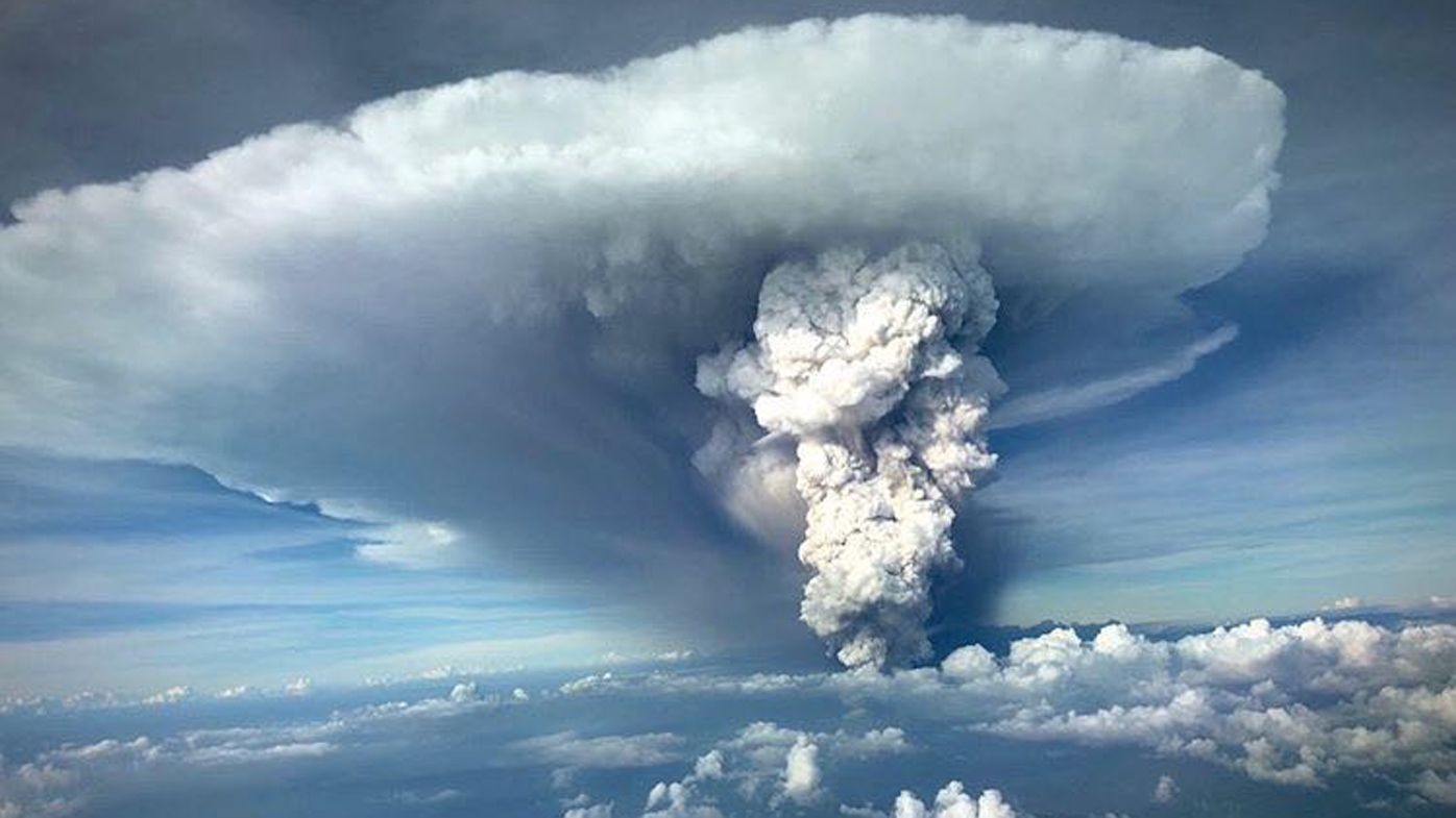 Pilot's stunning image of Philippines volcano eruption