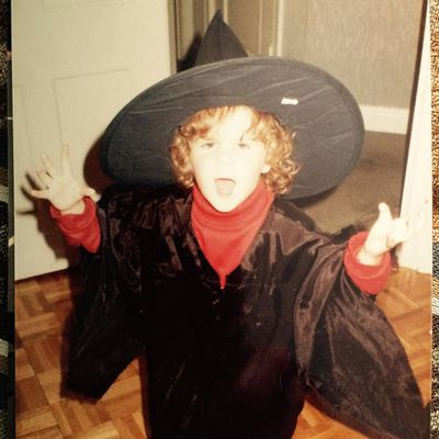 Who's that bewitching future funnywoman?