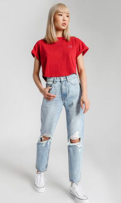 "<a href=""https://www.gluestore.com.au/lee-high-moms-jeans-in-phase-vintage-denim.html"" target=""_blank"" title=""Lee High Moms Jeans in Phase Vintage Denim, $127.46"" draggable=""false"">Lee High Moms Jeans in Phase Vintage Denim, $127.46</a>"