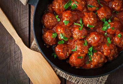 "Recipe: <a href=""/recipes/ibeef/9057256/barbecue-wagyu-beef-meatballs"" target=""_top"">Barbecue wagyu beef meatballs</a>"