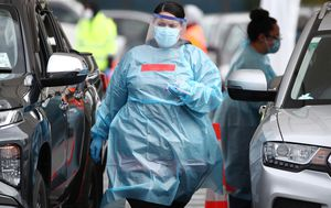 Breaking News and Live Updates: New Zealand cases linked to Auckland cluster; New case in SA; Sydney girls school cleared of breaching public health orders; PM 'deeply sorry' for pandemic failures; Man in his 20s among 14 dead in Victoria, 372 new cases today