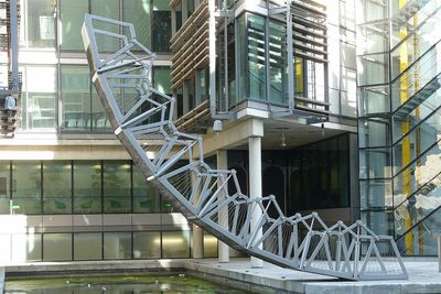 <strong>The&nbsp;Rolling Bridge, United Kingdom</strong>