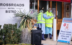 Coronavirus: Sydney's Crossroads Hotel outbreak cases jump to nine