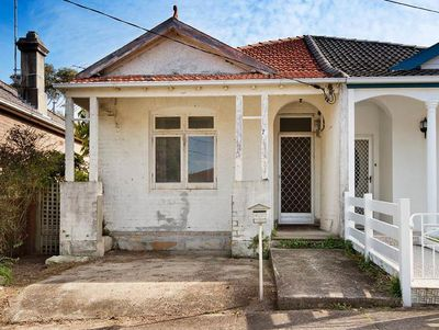 <strong>22 Clifton Rd, Clovelly, Sydney sold: $2.35 million</strong>