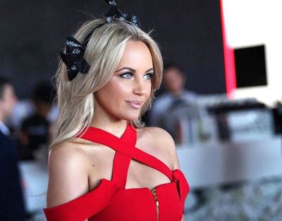 <p>2. Except red...</p> <p>Samantha Jade on Cup Day in Yeojin Bae and a Kerrie Stanley headpiece</p>