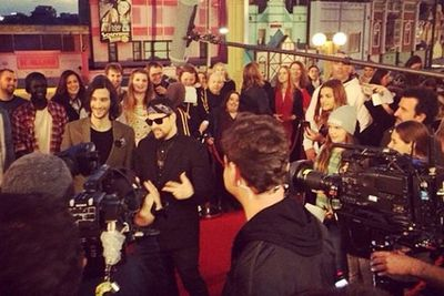 @franklakoudisofficial: Grand finale red carpet \m/ amazing crowd I thank you all for the support can not wait for tonight's show #thevoiceau #lakoudislove #yew<br/>