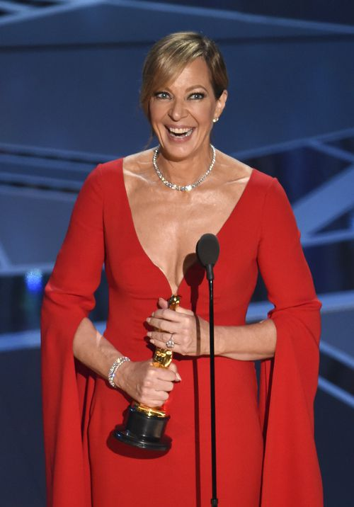Janney accepts the award for best performance by an actress in a supporting role for I, Tonya at the Oscars. (AAP)