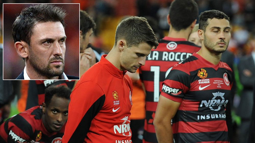 Wanderers players reflect after their grand final loss to the Roar in 2014 and (inset) Tony Popovic. (Getty)