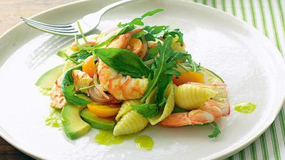 "<a href=""http://kitchen.nine.com.au/2016/05/17/15/15/prawn-and-avocado-pasta-salad"" target=""_top"">Prawn and avocado pasta salad</a>"