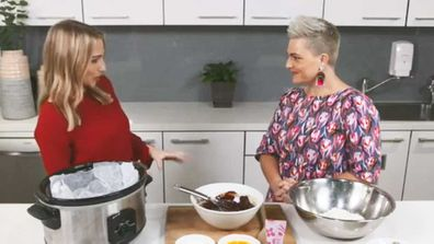 Britt Cohen gets Slow Cooker tips from Jane de Graaff