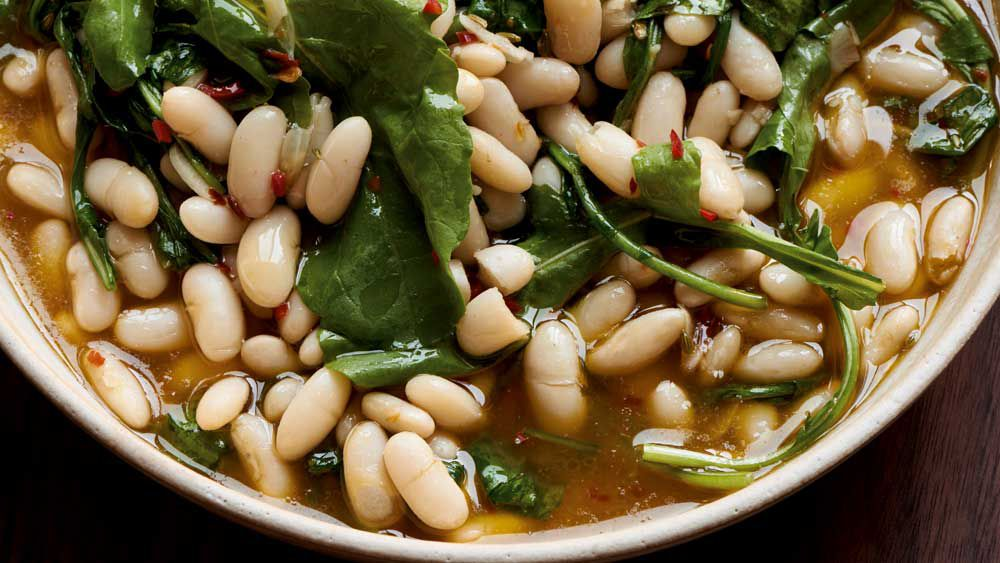 White beans with fennel seeds, chilli and rocket